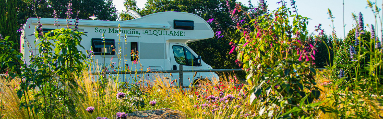 Do you feel like adventures? Discover Galicia and the rest of Spain on wheels with Maruxiña, our motorhome for up to 6 people.