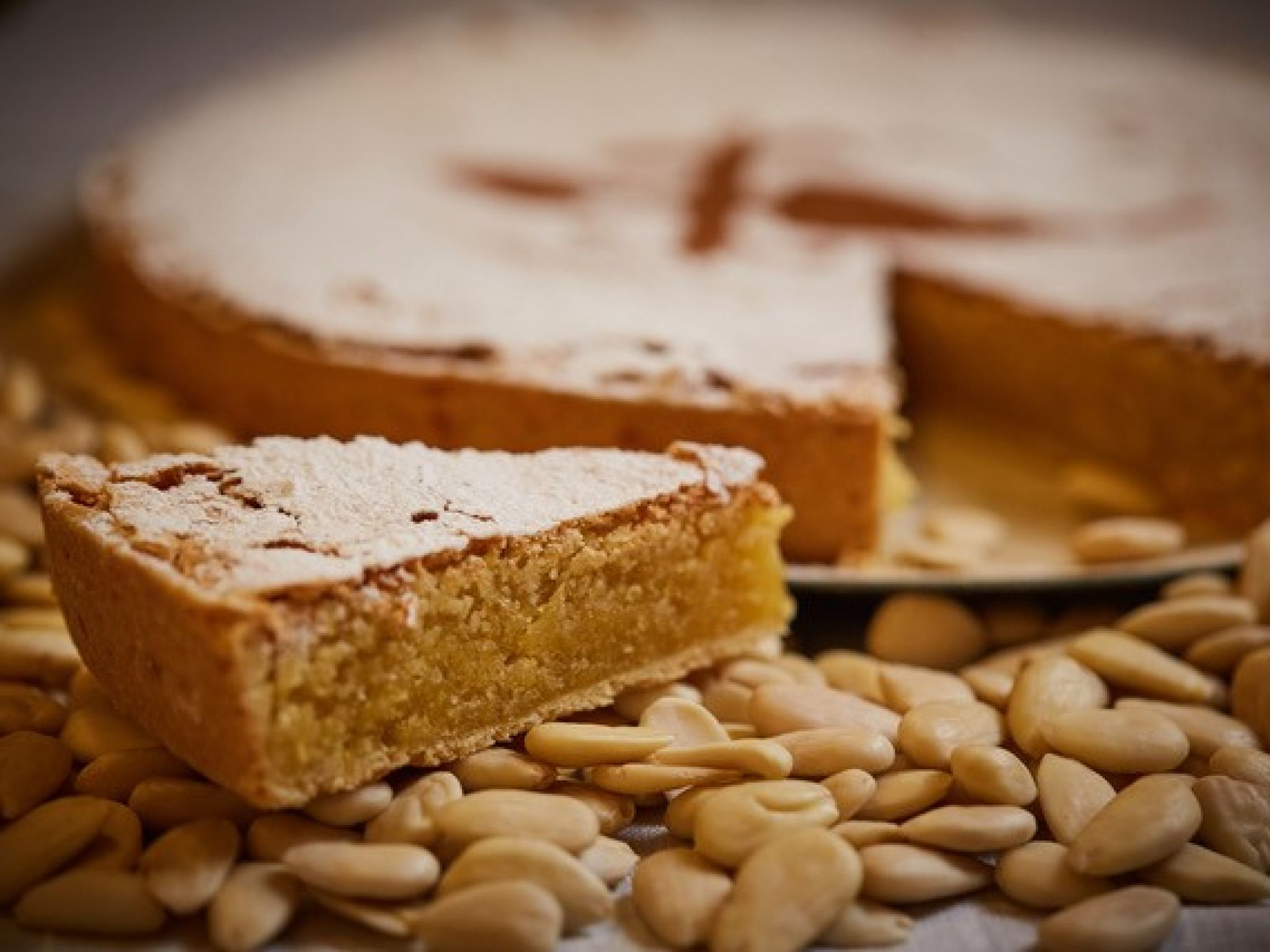 The authentic St. James Almond Cake (750g)